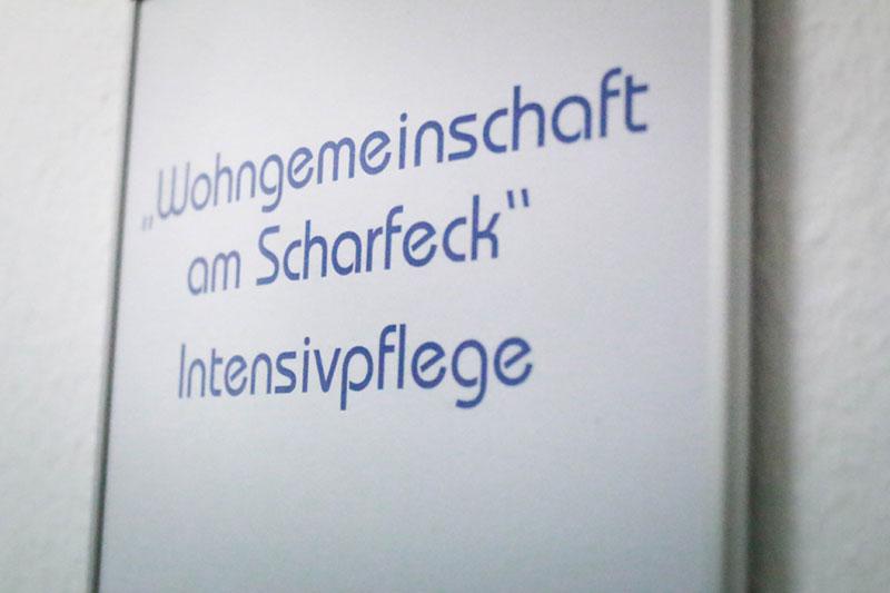 Schild-Wohngemeinschaft-am-Scharfeck_800_533